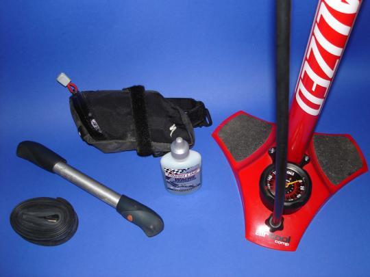 Zehne Dinge, die Du am Rennrad brauchst