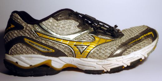 Mizuno Wave Precision